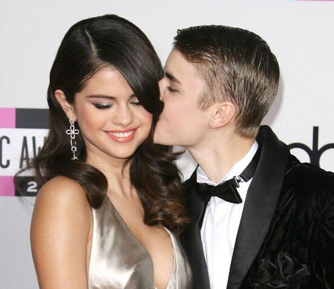 """Selena Gomez and Justin Bieber. (Adriana M. Barraza/<A HREF=""""http://www.wenn.com"""" TARGET=""""newwindow"""">WENN.COM</a>)"""