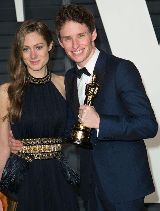 """Eddie Redmayne, right, with his wife Hannah Bagshawe. (<A HREF=""""http://www.wenn.com"""" TARGET=""""newwindow"""">WENN.COM</a> )"""