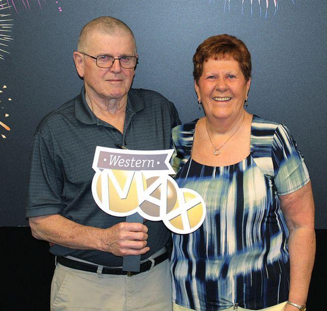 Donald and Maura Davis won $1,000,000 with WESTERN MAX. (Photo Courtesy/WCLC)