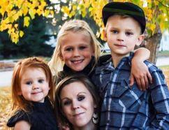LaTasha Gosling and her three children Janyaa, Jenika and Landen. (Gofundme.com)