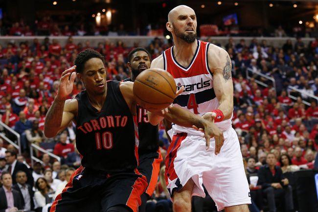 Raptors' DeMar DeRozan knocks the ball from Washington Wizards' Marcin Gortat during Game 3 at Verizon Center in Washington on Friday. (USA TODAY SPORTS/PHOTO)