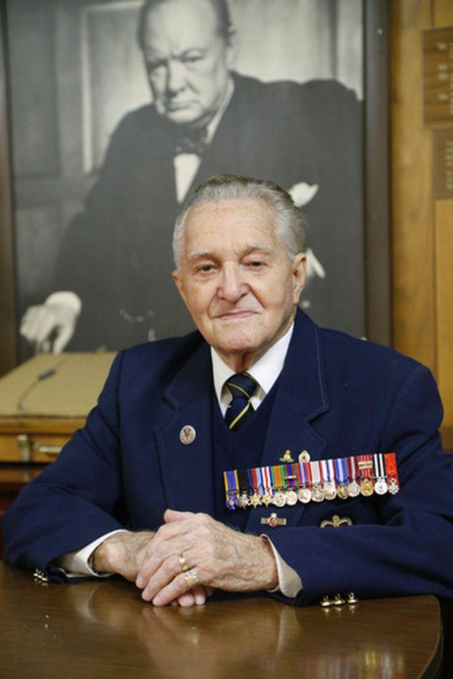 WWII veteran Art Boon at Royal Canadian Legion in Stratford Tuesday, April 28, 2015. (Michael Peake/Toronto Sun)