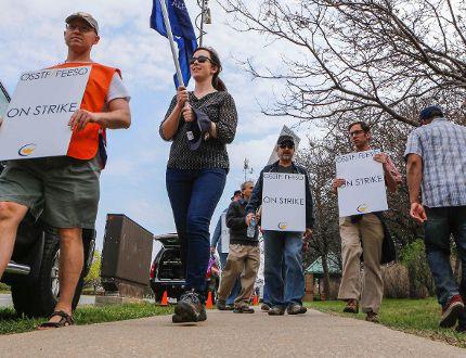Peel teachers join the Ontario strike_1