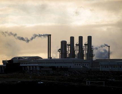 The Svartsengi geothermal power plant is seen on the Reykjanes peninsula near Reykjavik, March 23, 2015. Reuters file.
