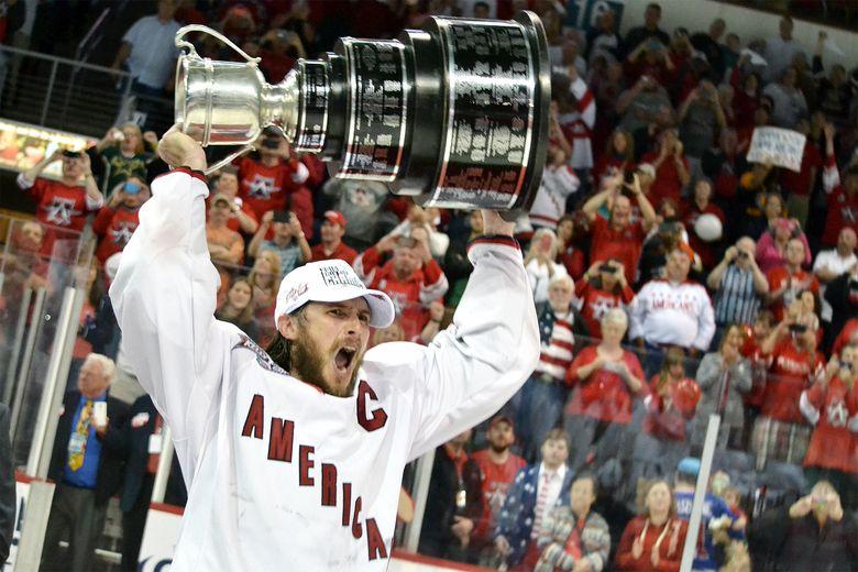 Allen Americans captain Jamie Schaafsma of Blenheim raises the Kelly Cup after winning the 2015 ECHL championship. (LAUREN LYSSY/Allen Americans)