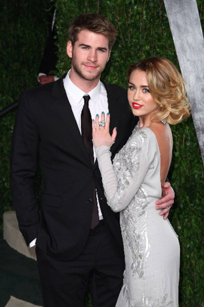 Liam Hemsworth and Miley Cyrus (WENN.COM/Files)