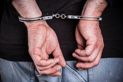 mandcuffs