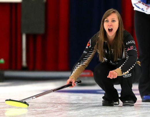 Rachel Homan sweeps into National final