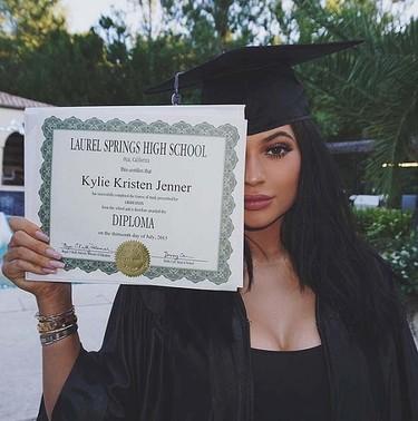 5. Kylie Jenner's graduation. Liked: 2.3 million times. (Instagram/kyliejenner)