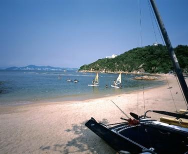 Cheung Chau Island's Tung Wan Beach is great for swimming and windsurfing. (Photo: Hong Kong Tourism)