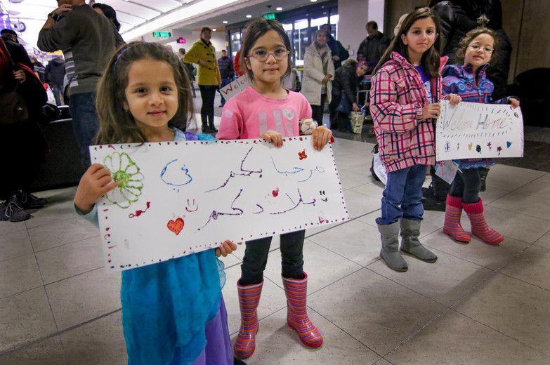 Dec. 28 Syrian refugees arrive Calgary