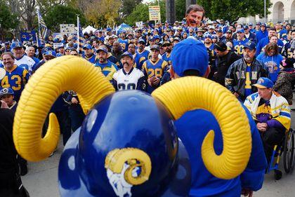 Rams fans Jan. 9/16