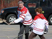 HarperHockey0206
