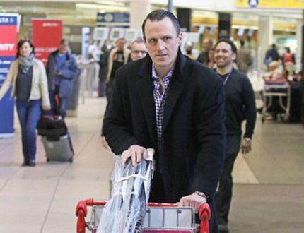 Dion Phaneuf at Calgary airport_7