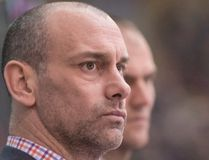 Hounds head coach Drew Bannister