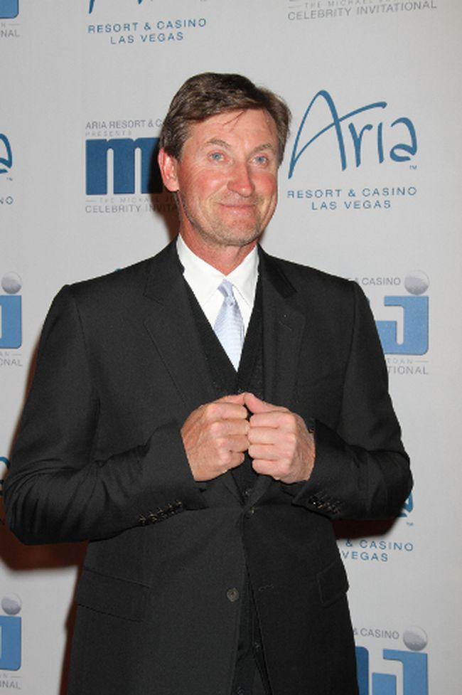 Where was hockey player Wayne Gretzky born? (WENN.com)