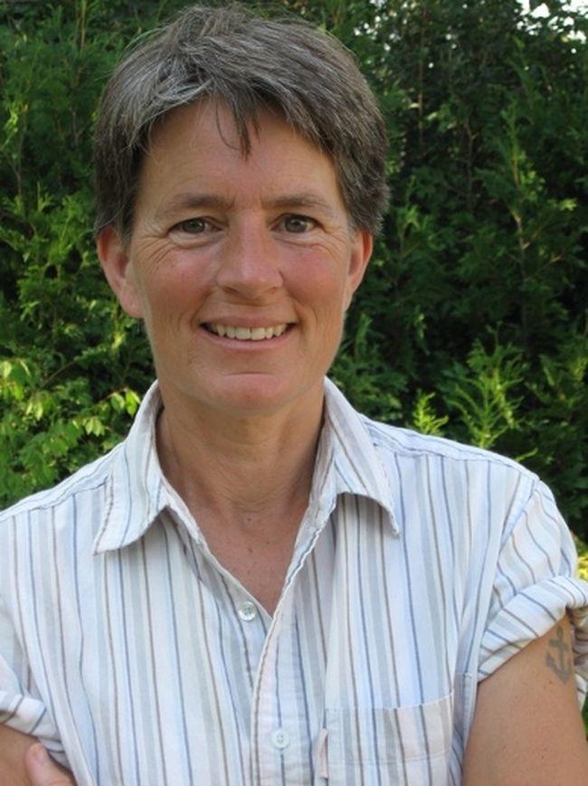 Simcoe author Deborah Ellis
