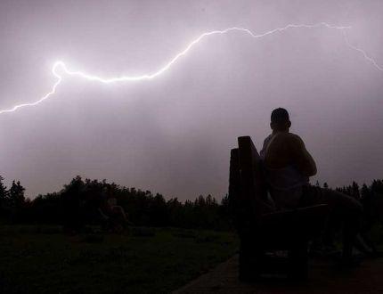 Edmonton and area under severe thunderstorm watch