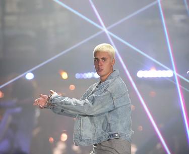 Justin Bieber performs in Winnipeg, Man. Saturday June 11, 2016. Brian Donogh/Winnipeg Sun/Postmedia Network