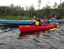 Syrian refugees get day at lake