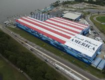 Largest flag mural: Robert Wyland breaks Guinness World Records record...