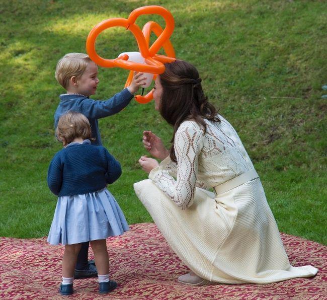 Royal Playdate: Prince George And Princess Charlotte