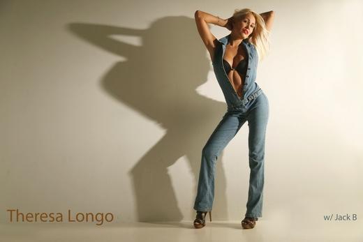 http://storage.torontosun.com/v1/dynamic_resize/sws_path/suns-prod-images/1297887378039_ORIGINAL.jpg?size=520x&quality=100&strip=all