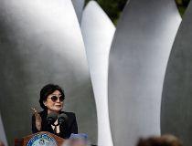 Rahm Emanuel, Yoko Ono