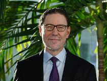 Daniel Lindsay