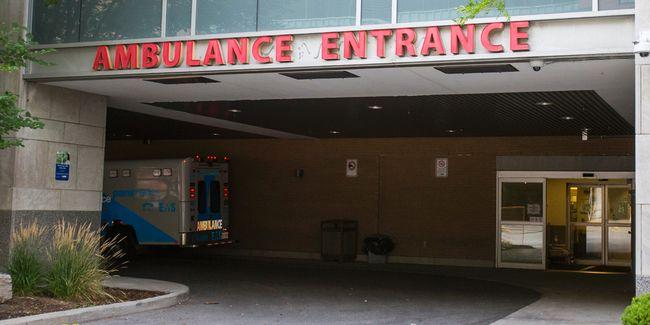 Toronto General Hospital. (Ernest Doroszuk/Toronto Sun)