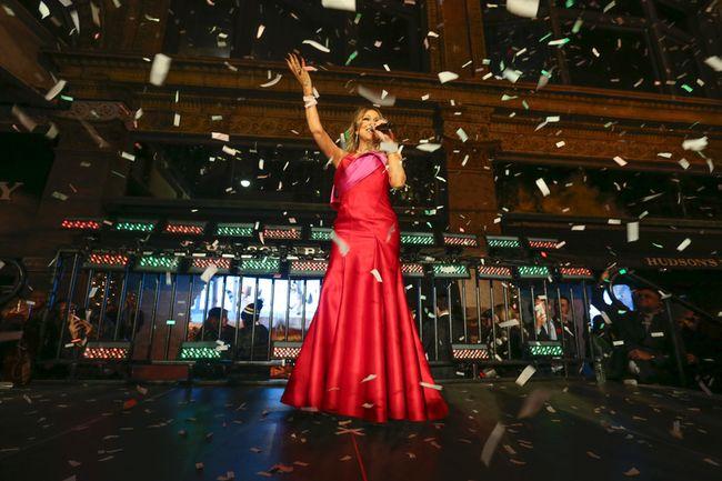 Mariah Carey performs at the Hudson's Bay-Saks Fifth Ave. flagship stores in Toronto to unveil the Christmas season windows on Thursday, November 3, 2016. (Jack Boland/Toronto Sun)