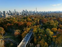 Fall Toronto skyline using the Moto Z camera. (Victoria Revay/Postmedia Network)