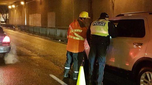 Toronto Hydro Workers Raise Eyebrows At Ride Check Toronto Sun