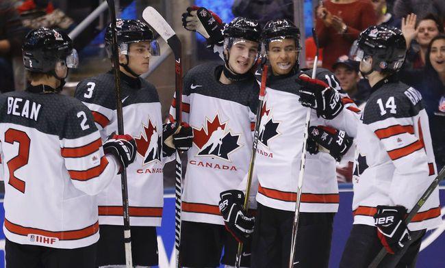 Canada Dumps Latvia_10