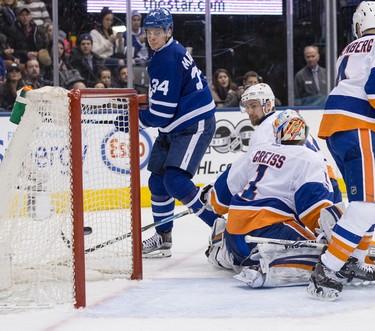 Toronto Maple Leafs center Auston Matthews (34) scores against the Islanders   in Toronto on Tuesday February 14, 2017. Craig Robertson/Toronto Sun/Postmedia Network