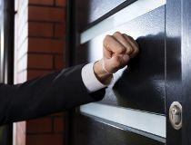Door-to-door sales salesman
