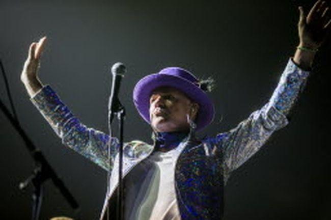 Gord Downie of the Tragically Hip performs at the Air Canada Centre. (ERNEST DOROSZUK/Toronto Sun)