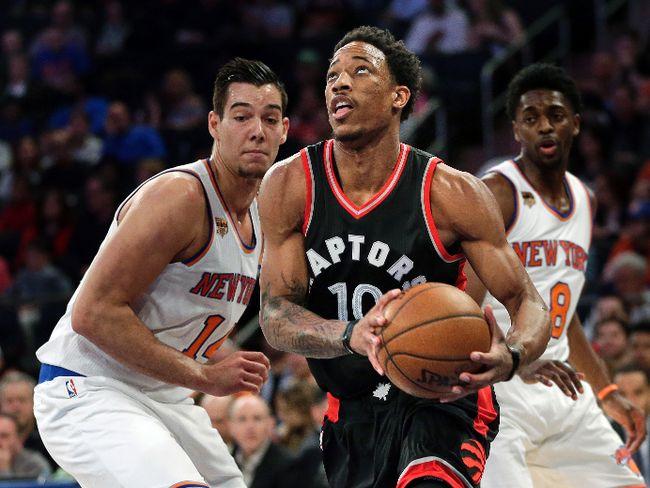 Toronto Raptors' DeMar DeRozan drives to the basket against the New York Knicks, Sunday, April 9, 2017, in New York. (AP Photo/Seth Wenig)