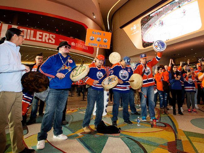 Logan Alexis Singers at Oilers game