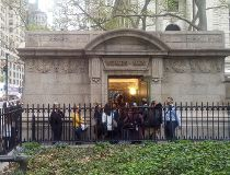 $300,000 posh public bathroom in New York_1