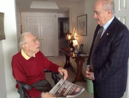 Veterans Affairs Minister Julian Fantino paid a visit to Second World War veteran Ernest Côté