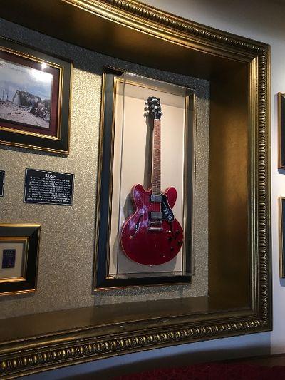 Alex Lifeson guitar at the Hard Rock Cafe. (Joe Warmington/Toronto Sun)