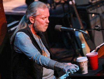 Gregg Allman performs at the Ryman Auditorium on Jan. 13, 2015, in Nashville, Tenn. (Photo by Terry Wyatt/Getty Images)