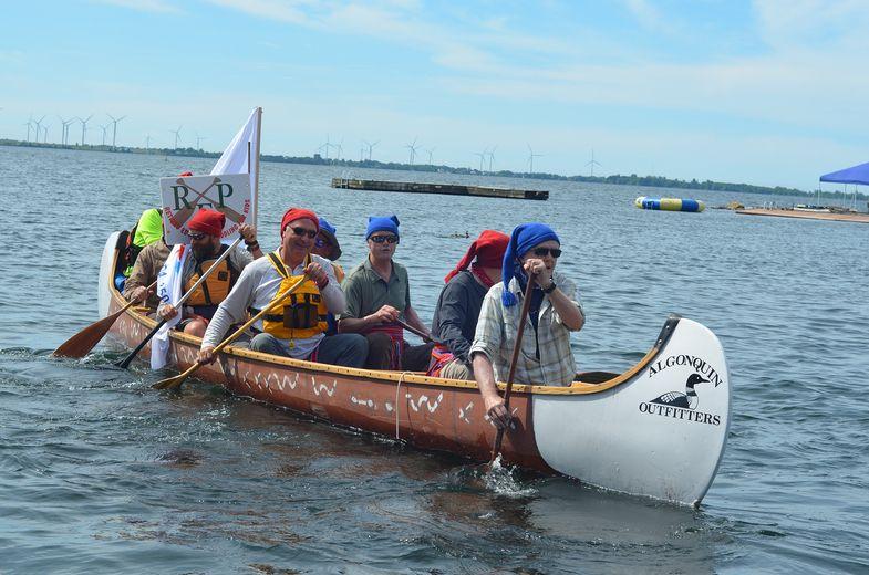 Paddle power fuels retirees' trip to Ottawa