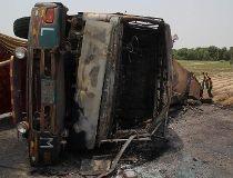PAKISTAN-ACCIDENT-FIRE-OIL-ROAD