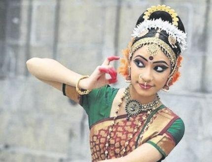 Yamini Kalluri will dance Sunday at Wolf Performance Hall. (Manivannan/Special to Postmedia News)
