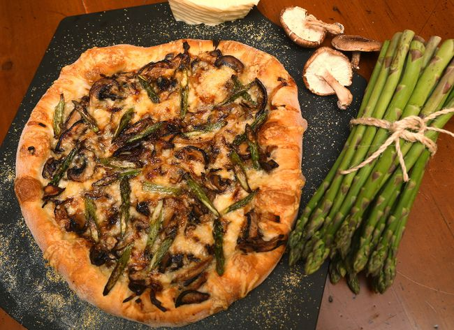 Wild Mushroom Pizza with Fontina (MIKE HENSEN, The London Free Press)