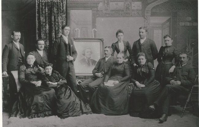 Back Row: John, Thomas, George, Lillie (Box), William, Sarah (Parkinson)