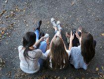 Teen Girls Cellphones