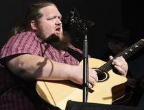 Matt Anderson plays and sings the song Train on Saturday August 19, 2017 at the Bear Creek Folk Festival in Grande Prairie, Alta. Svjetlana Mlinarevic/Grande Prairie Daily Herald-Tribune/Postmedia Network
